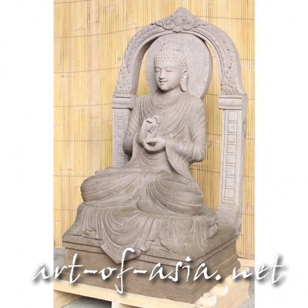 Bild 2 - Buddha, sitzend, 120cm, Flußstein, rötlich, Radandrehungsgeste, mit Torbogen und Aureole