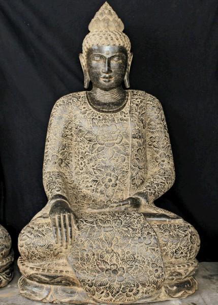 Bild 2 - Buddha, sitzend, 110cm, Flußstein, Erdberührungsgeste, mit Blumenumhang und Antikfinish